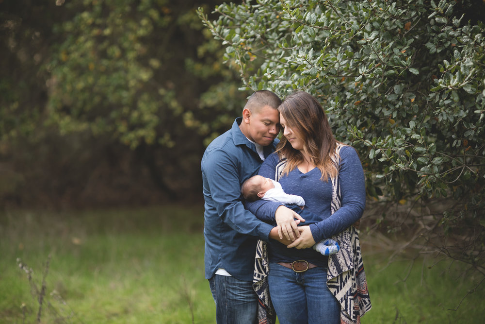 Lodi + Stockton Outdoor Newborn Photographer | Mary Humphrey
