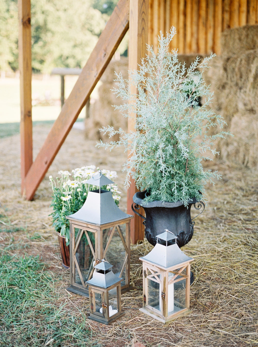 farmhouse wedding details