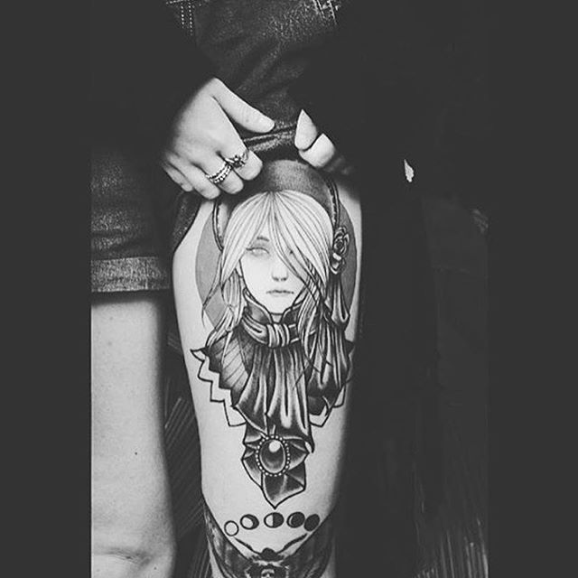 Bloodborne tattoo I did a while back. Photo stolen from my good friend @kraehtot ☺️