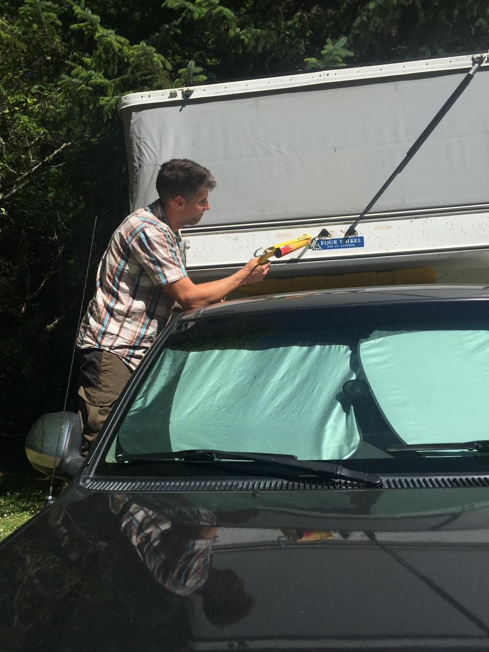 Strut repairs... the camper doesn't like pressure.