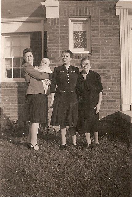 Mom, Carolaine, x, and x