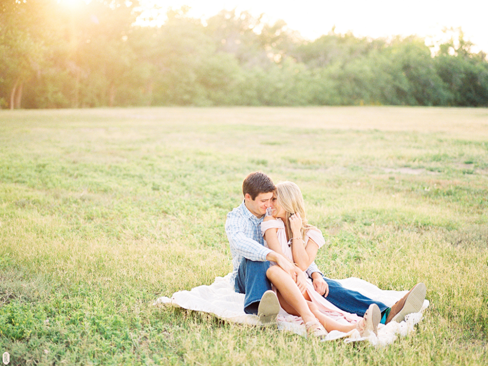 sun filled engagement session