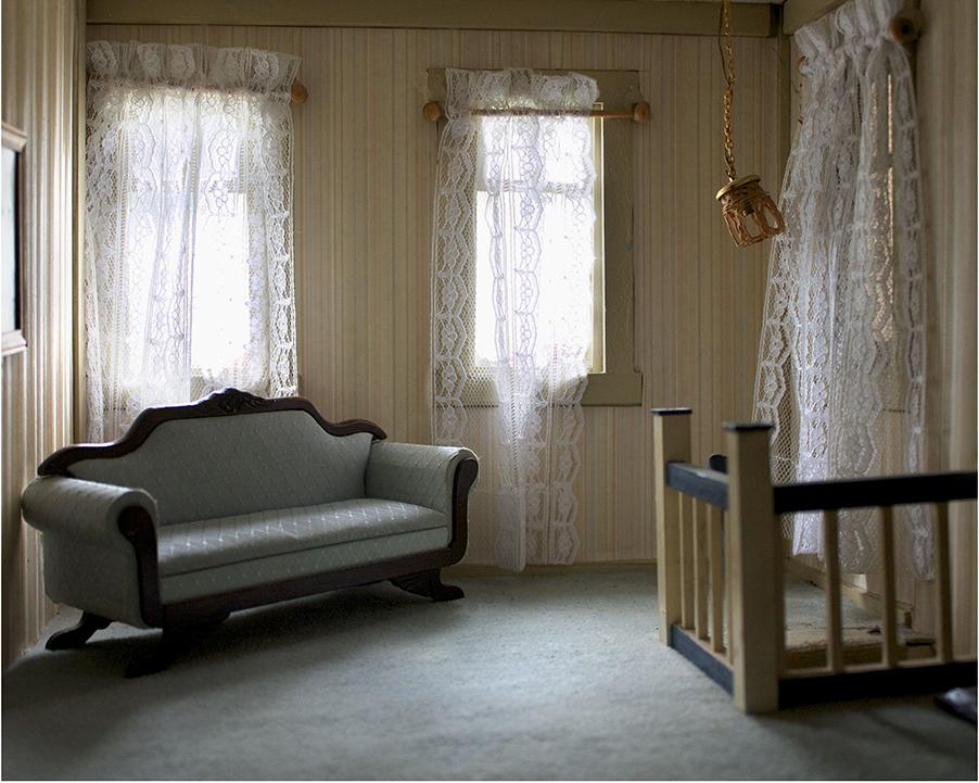 Dollhouse_03.jpg