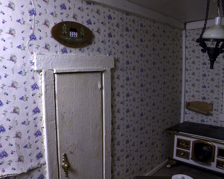 Dollhouse_05.jpg