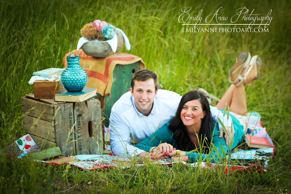And here is that adorable picnic setting. Can't get enough of this look.