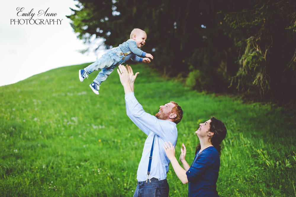 nashville and franklin family photographer emilyannephotoart how to color coordinate your family photoshoot, sweet southern family photos best pinterest photo posing tips for family international and swiss photographer shot in appenzell switzerland