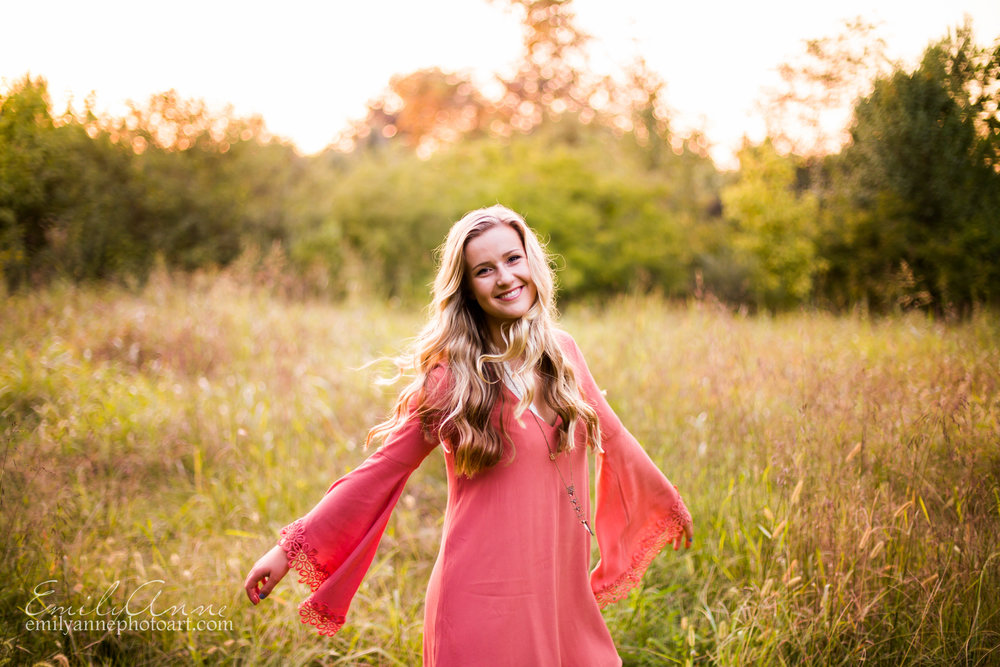 gorgeous rustic golden sunset photoshoot in franklin tn by the top senior portrait photographer in nashville brentwood and hendersonville tn emily anne