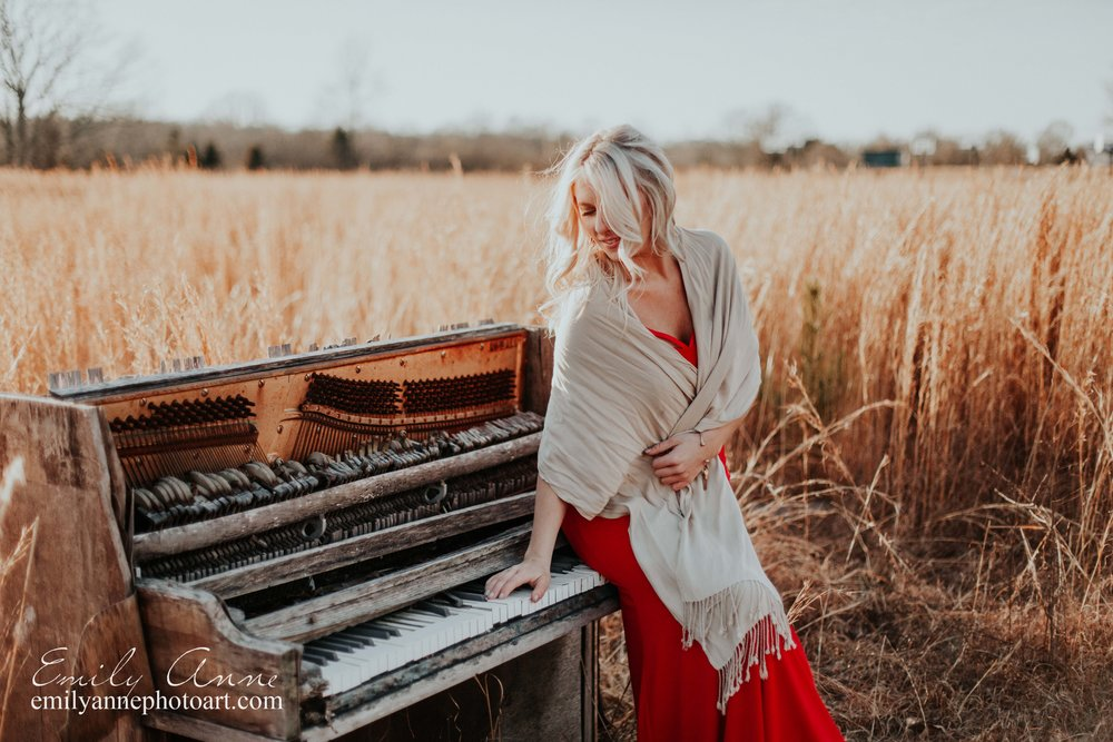 stunning artist photoshoot in golden field joelton inspirational musician photos nashville