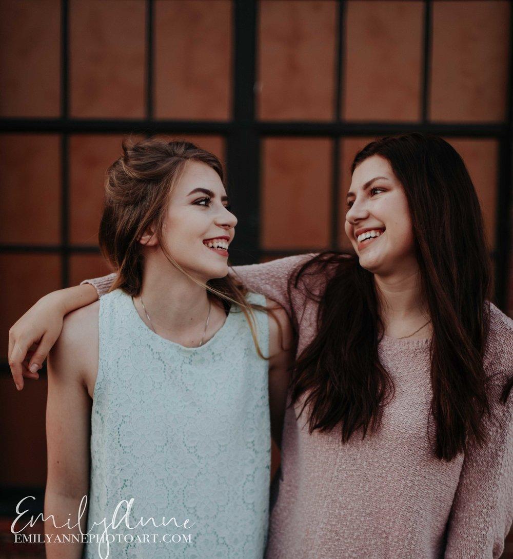 best friend/sister senior portrait session nashville photographer harvest sound
