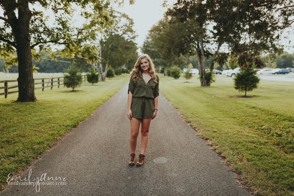 great senior portrait posing; how to pose a senior by Emily Anne Photo Art
