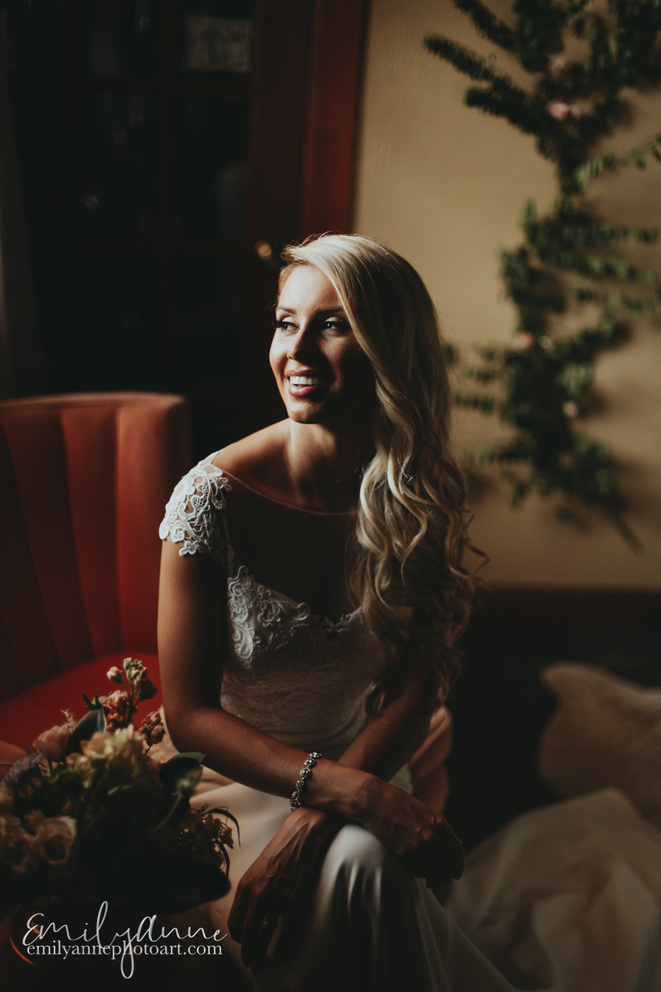 gorgeous Nashville bride by top wedding photographer destination wedding photographer Barcelona Spain Atlanta Georgia, Florida