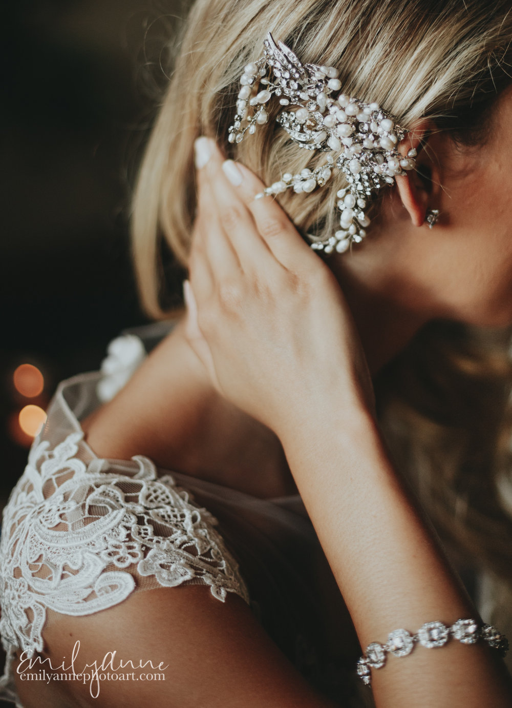 gorgeous  Nashville bride hairstyle wedding details