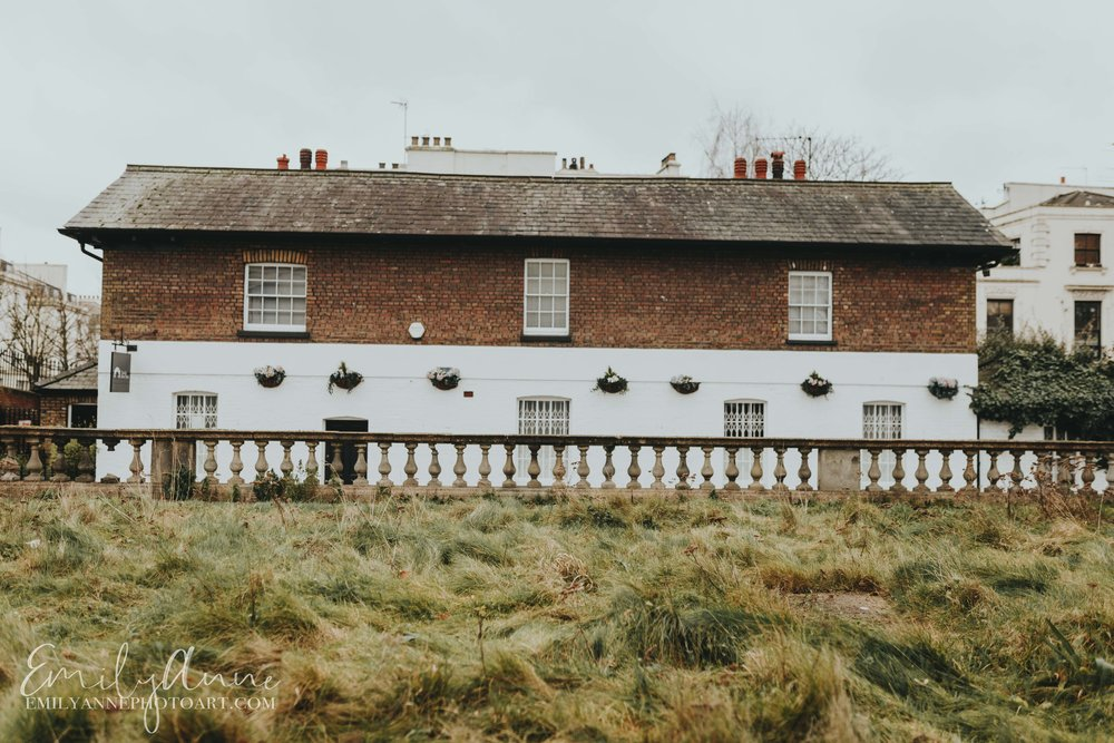 London countryside shoots by Little Venice by London UK Photographer Emily Anne based in Nashville