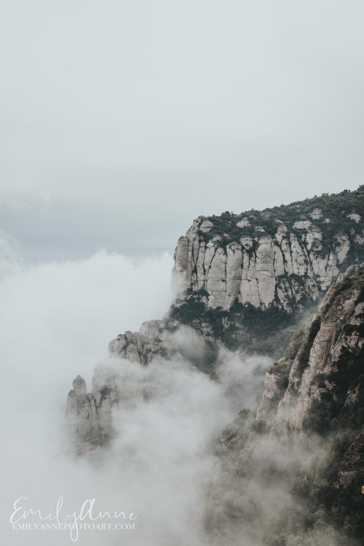 rocky mountainous Montserrat explore day trips from Barcelona hiking Montserrat fotografa