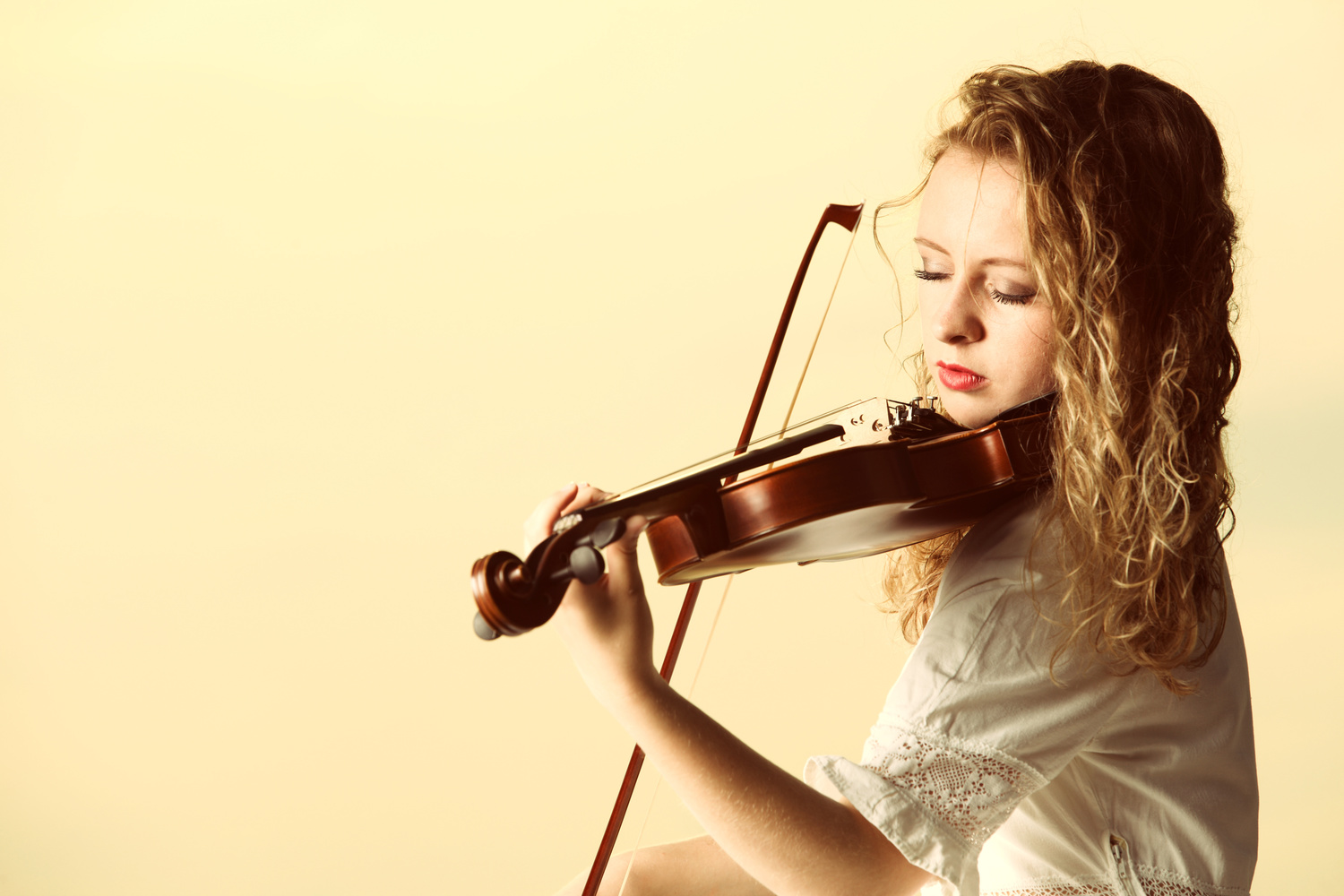 Online Lesson; Up and Down Bow — The Violin