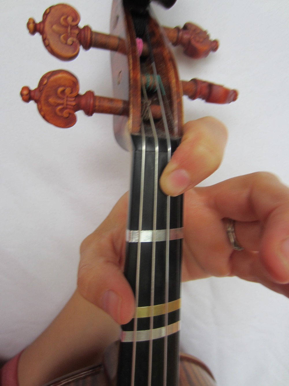 Violin Fingering Bflat on A.JPG