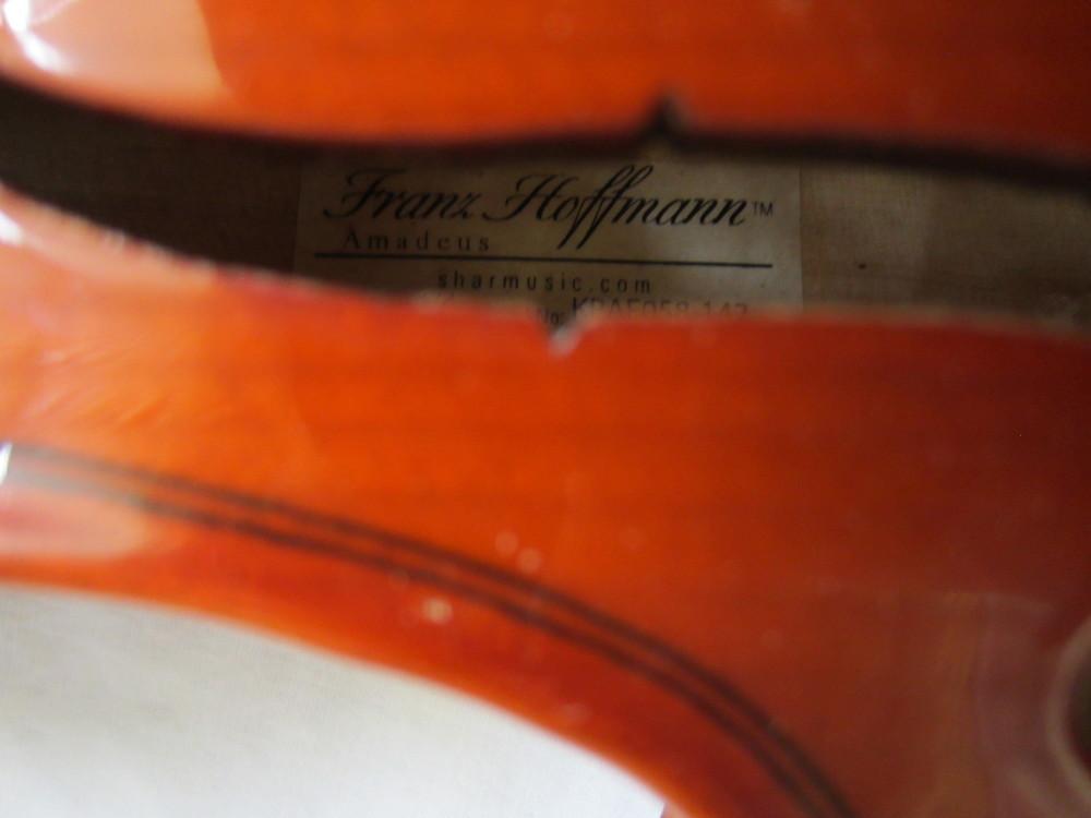 Amadeus Violin Tag