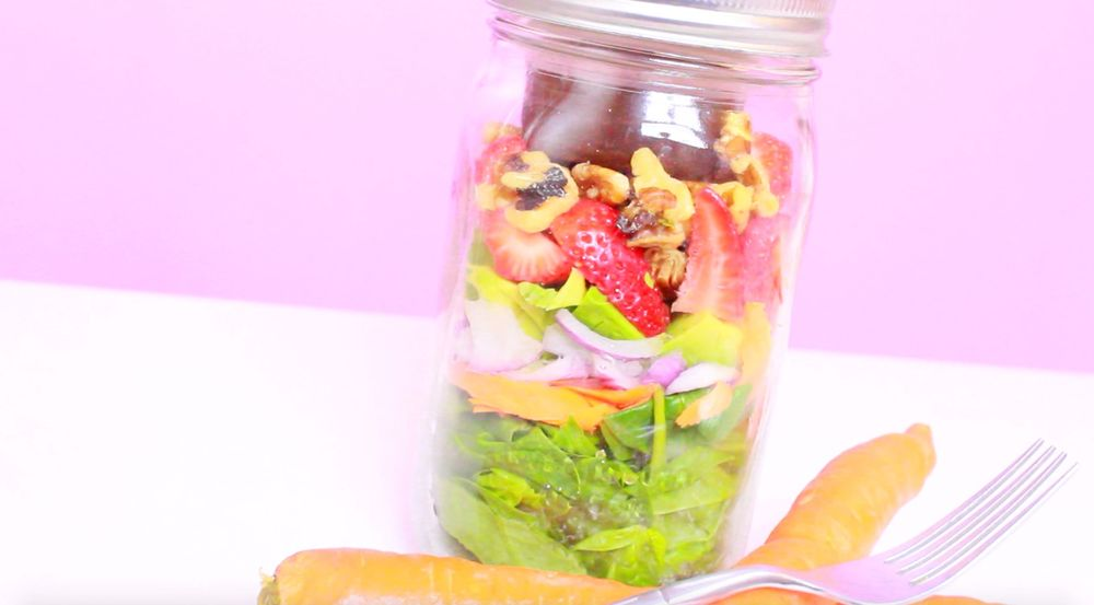 Avocado Berry Salad