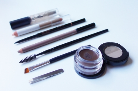 marisa-robinson-makeup-artist-brow-tools-of-the-trade.jpg