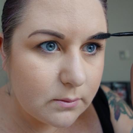 marisa-robinson-makeup-artist-brow-comb.jpg