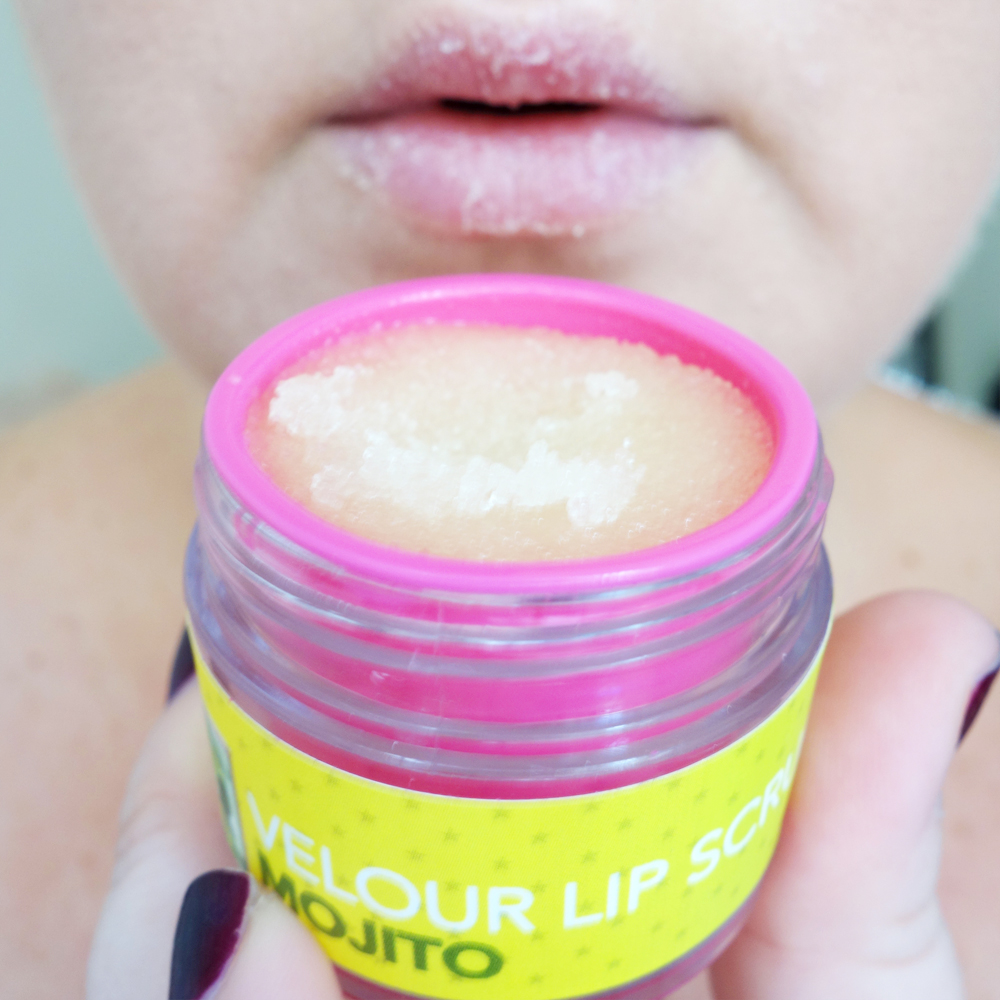 Marisa Robinson Makeup Artist Jeffree Star Velour Lip Scrub