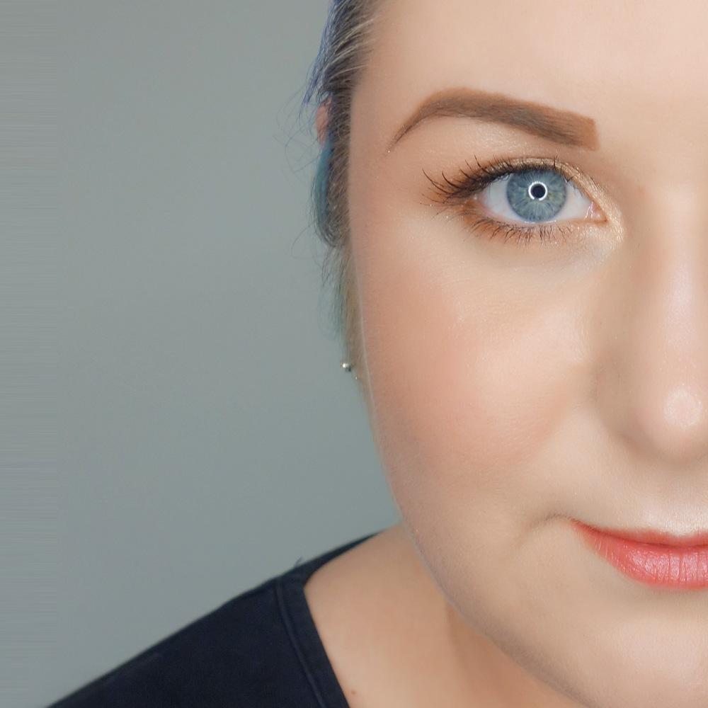 Marisa Robinson Makeup Artist Benefit Cosmetics Brow Collection