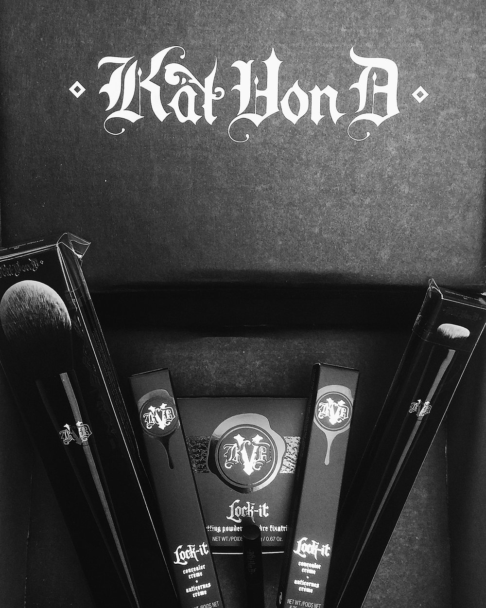 Marisa Robinson Makeup Artist Kat Von D Lock It Concealer and Setting Powder