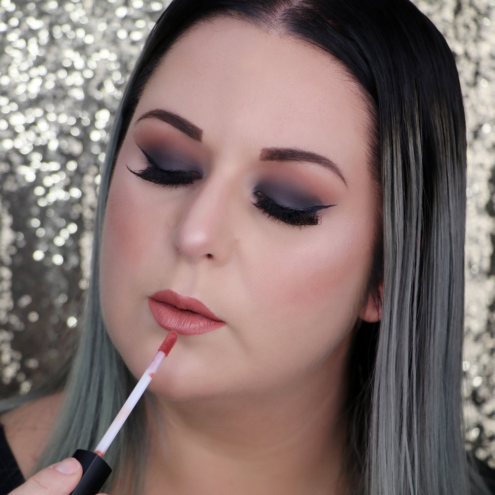 Marisa Robinson Makeup Artist Get The Look Smokey Eye Holiday Makeup Look