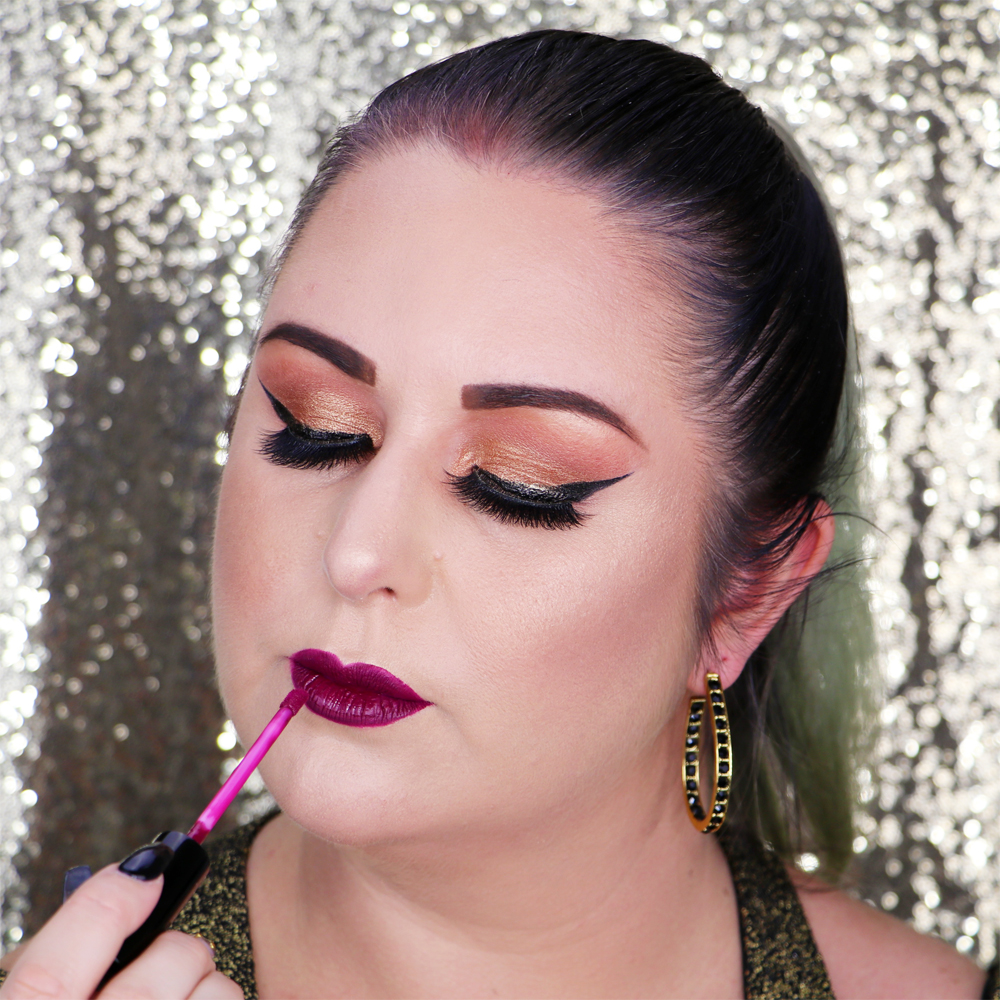 Marisa Robinson Beauty Blogger Gold and Bold Holiday Makeup Tutorial