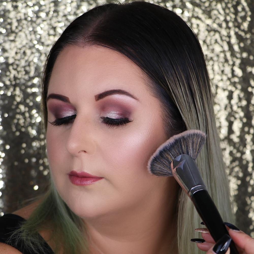 Marisa Robinson Beauty Blogger Holiday Glam Makeup Look