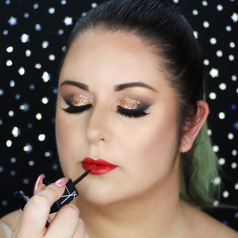 Marisa Robinson Beauty Blogger NYE Glitter Glam Makeup Tutorial