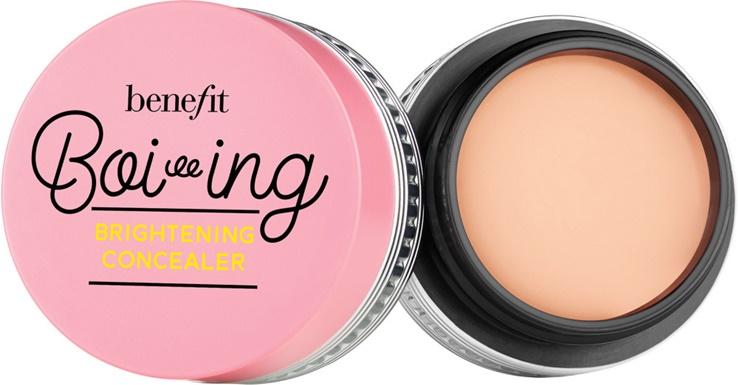 Marisa Robinson Beauty Blogger Benefit Boi-ing Brightening Concealer
