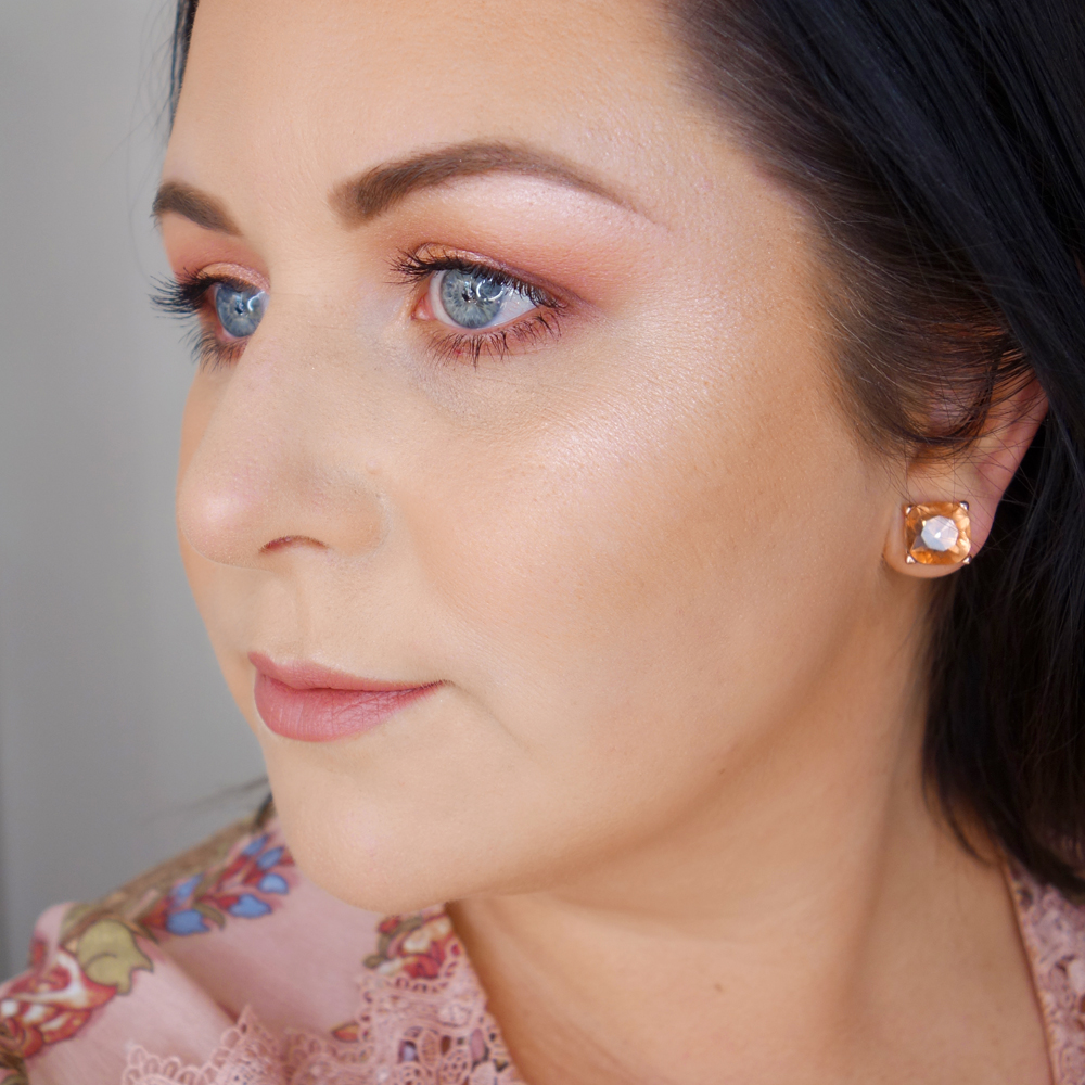 Marisa Robinson Beauty Blogger Models Own Highlighter