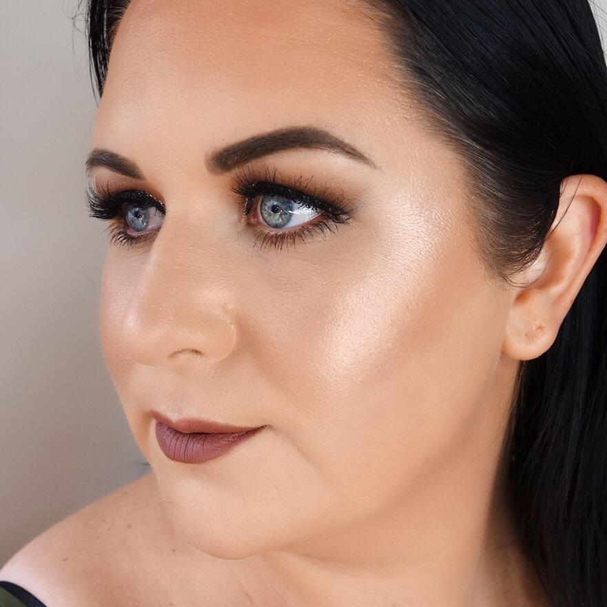 Marisa Robinson Beauty Bronze Glitter Smokey Eye