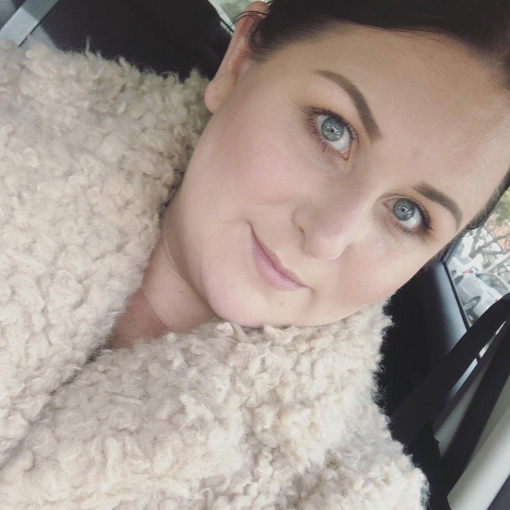 Kat Von D Brow Struck Dimension Powder Dark Brown - Marisa Robinson Beauty