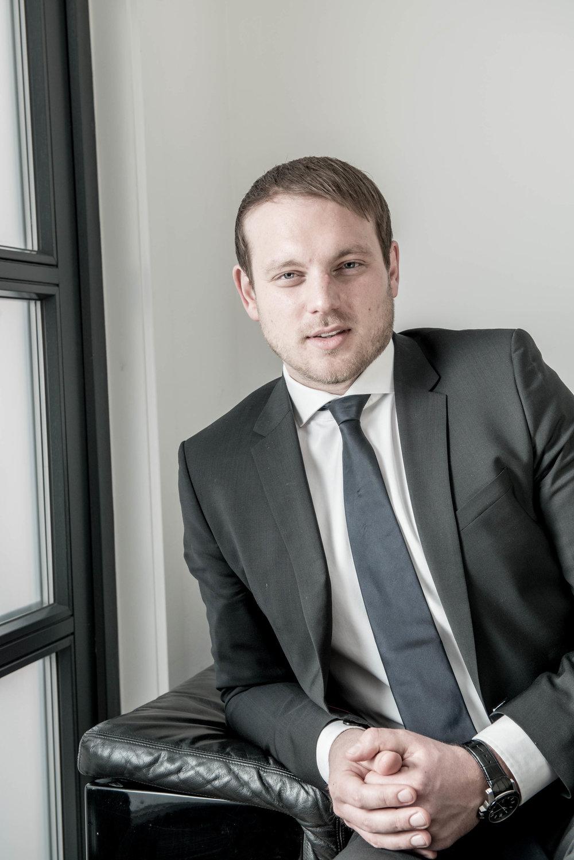 Georg-Philipp Gloss Principal E-Mail:georg.gloss@hilltop.de Telefon:+49 (0) 89 5445 96 0 VITA Georg-Philipp Gloss ist Principal bei Hilltop.Neben seinem Bachelor in Wirtschaftsrecht (LL.B.) erwarb er zusätzlich einen Master in General Management (M.A.) an der School of Business and Management Bonn.