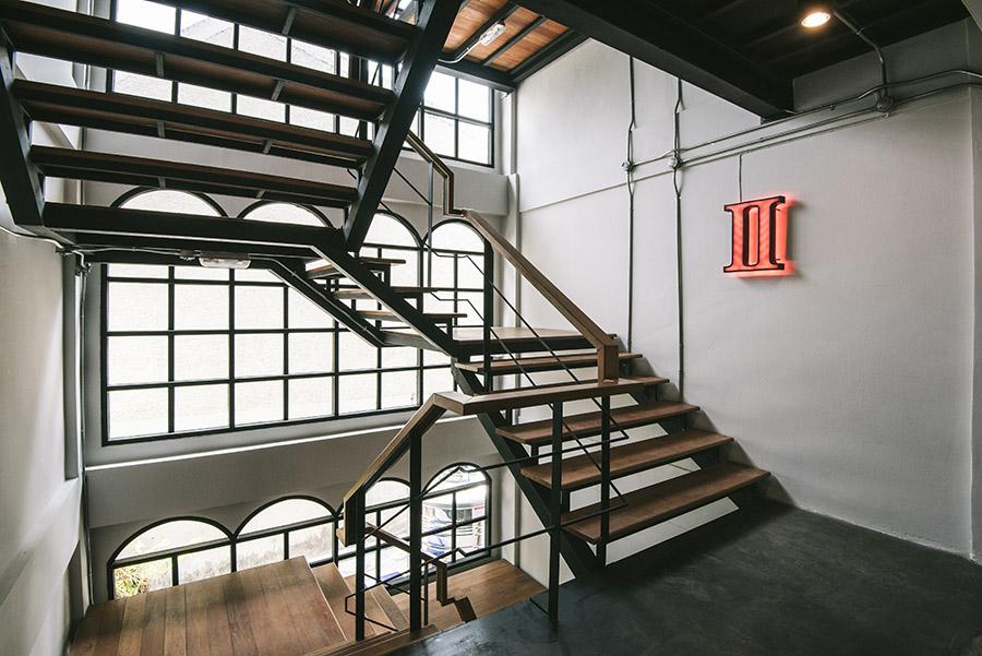 moto-stair2.jpg