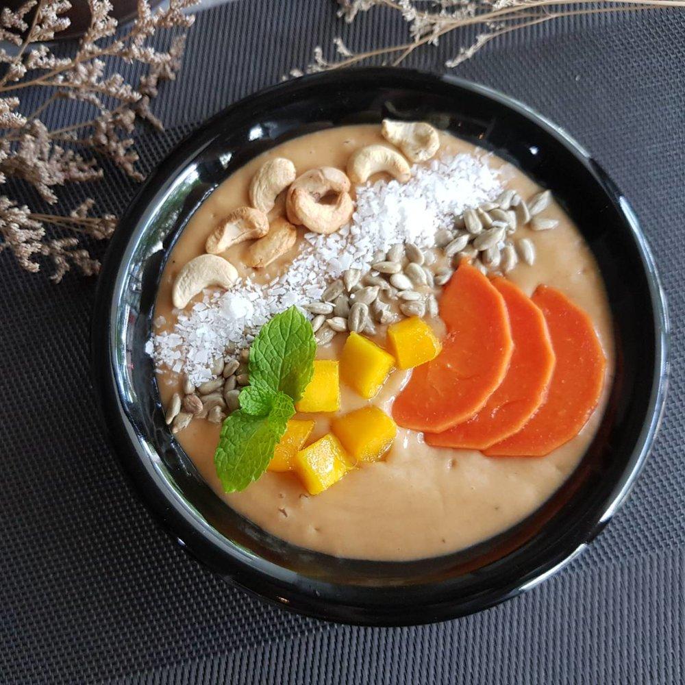 Tropical Papaya Smoothie Bowl (Vegan)