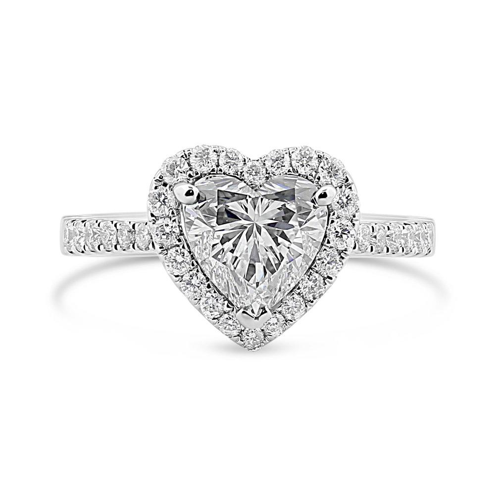 Bague - Diamant taille coeur et halo de diamants