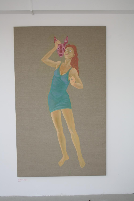 24. Tomáš Císařovský   Dívka se srnou   2013, olej, plátno   200 x 120 cm