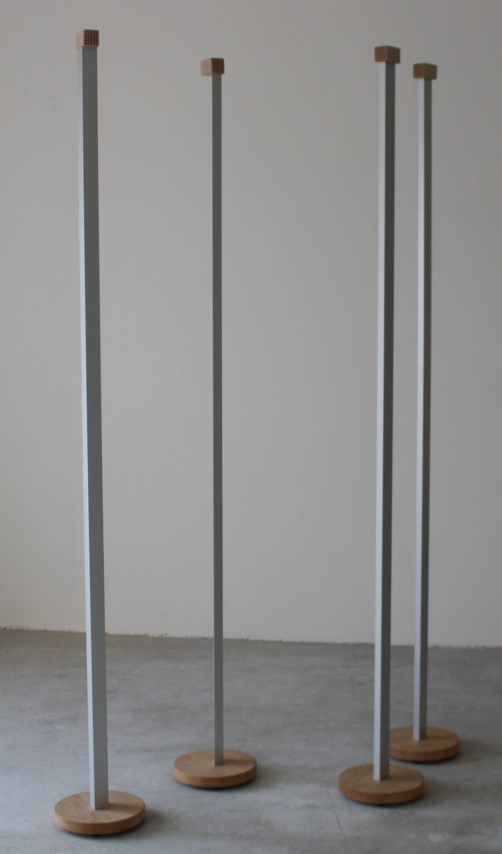 15.Tomáš Hlavina   Palice   2010, aluminiové profily, dřevo   90 x 90 cm