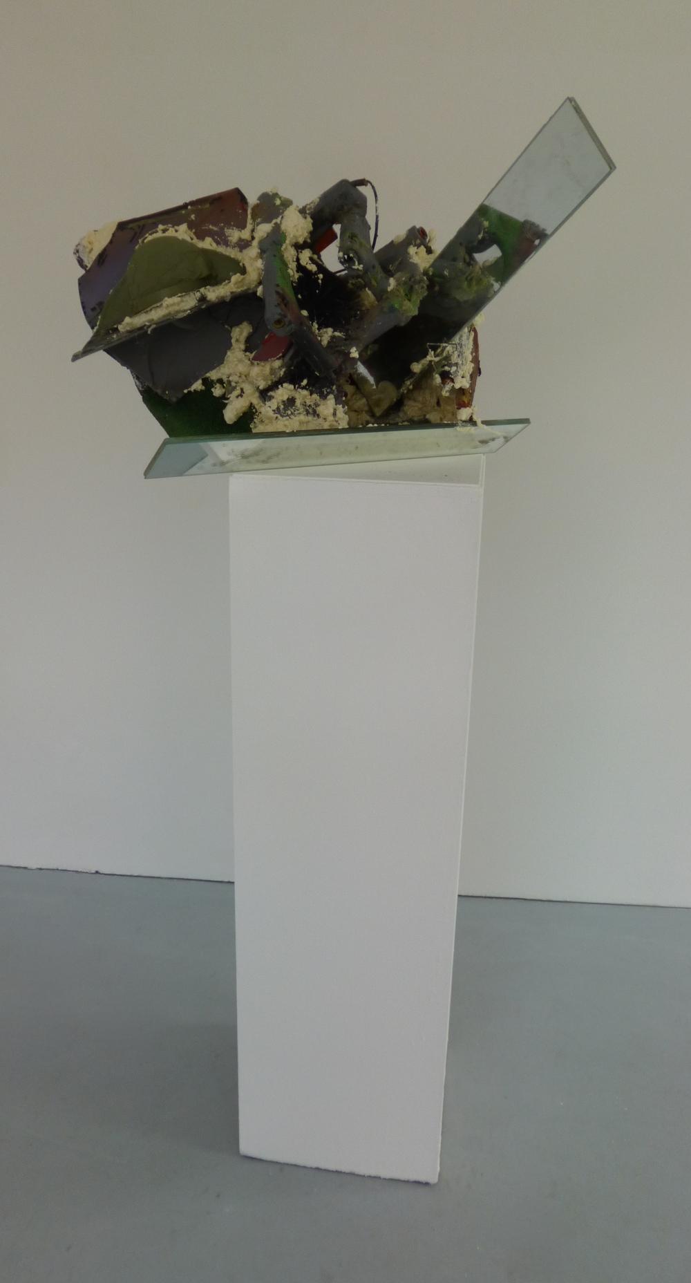 17.Hlava, 2015, kombinovaná technika, 77 x 45 x 50