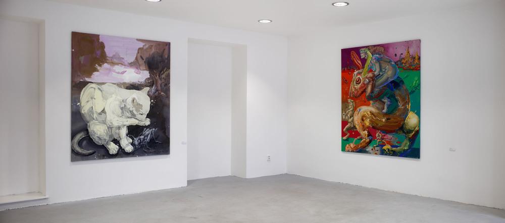 Michael Rittstein, Nechtěl bych se mu znelíbit či myší být, 2014, plátno, akryl, 150 x 180 cm    Michael Rittstein, Nezdolná (železná) vůle, 2015, plátno, akryl, 150 x 180 cm