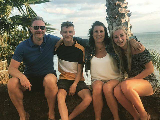 I am very blessed.  #thomasfamilyholiday2018 @_samleethomas @louisesw2305 @elisethomasxv