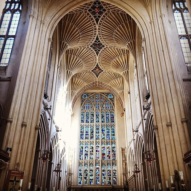 The stunning ceiling of the abbey in Bath #bathabbey