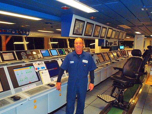 captain-david-in-command-bridge-tungsten-explorer.jpg