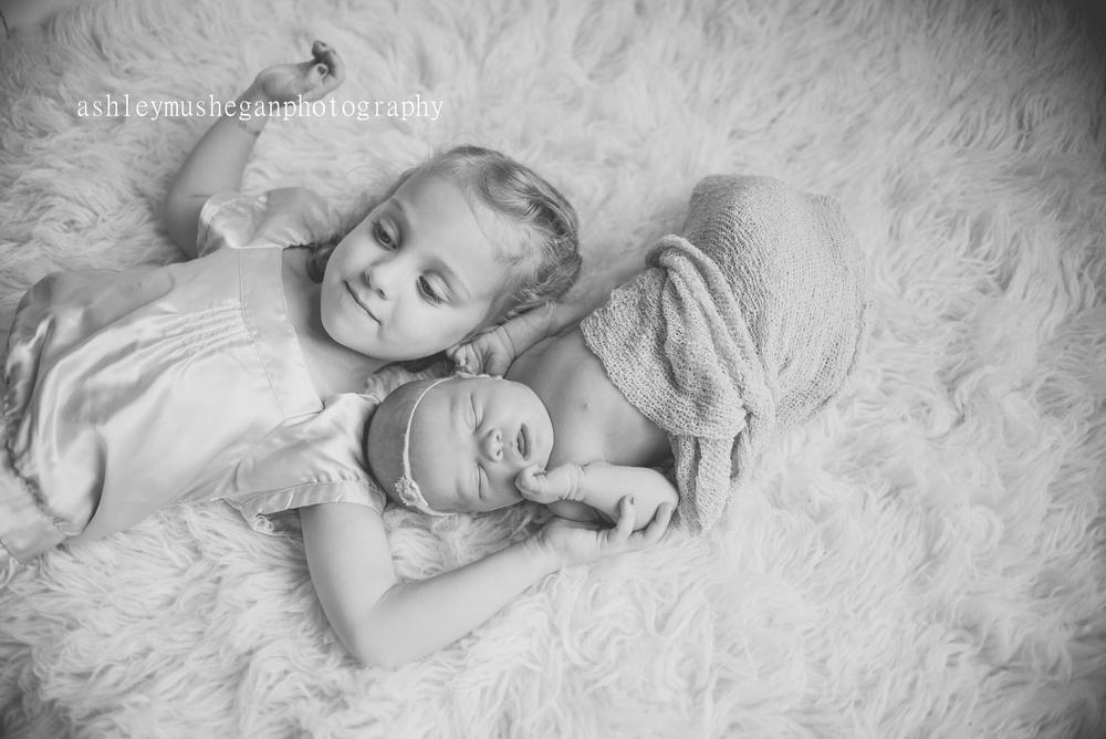 Sadie Newborn3-1.jpg