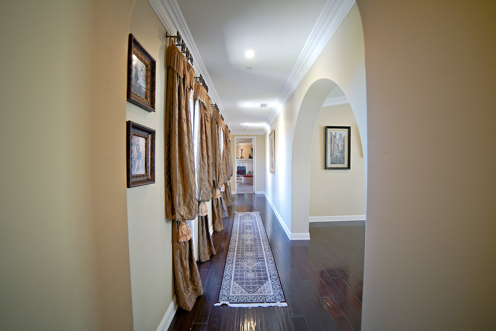UPSTAIRS HALL VIEW 2.jpg