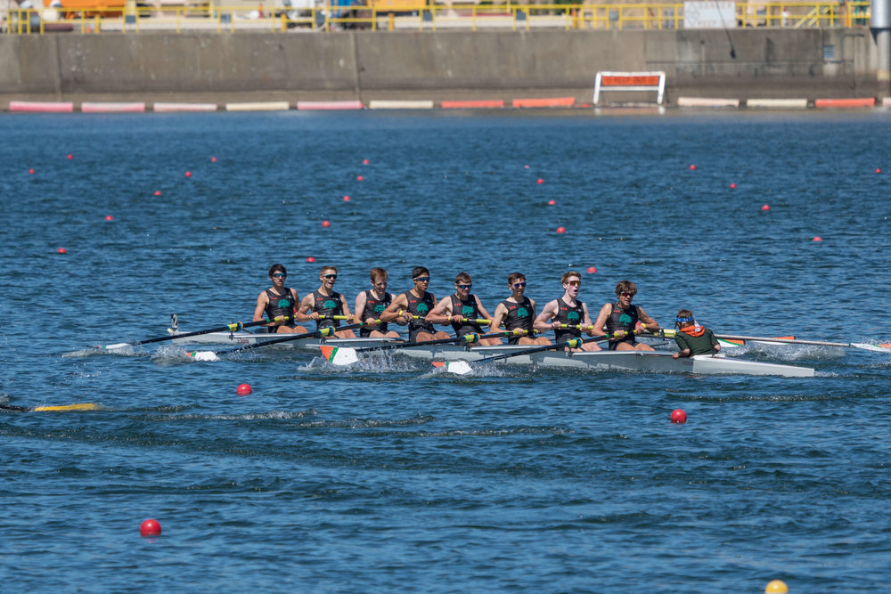 Oakland Strokes Varsity Men LtWt 8+ in action US Nationals   (1).jpg