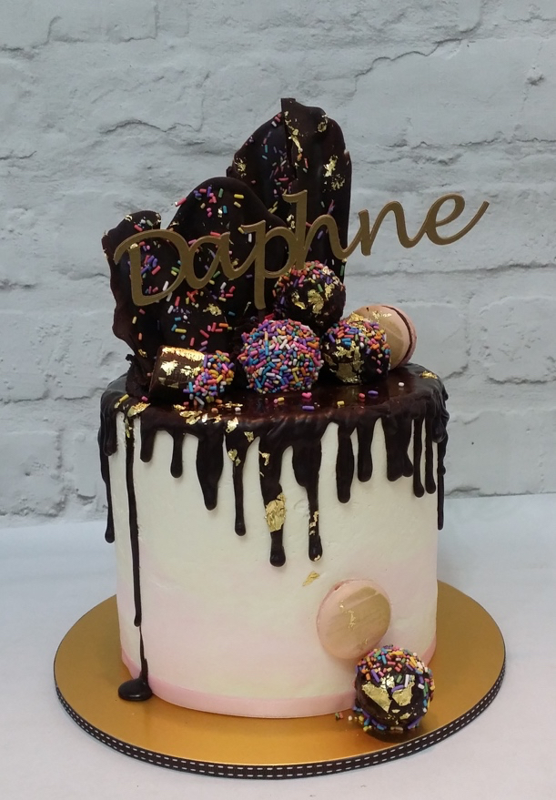 chocolate drip wedding cake ideas chocolate drip cakes sweet retreat 12699